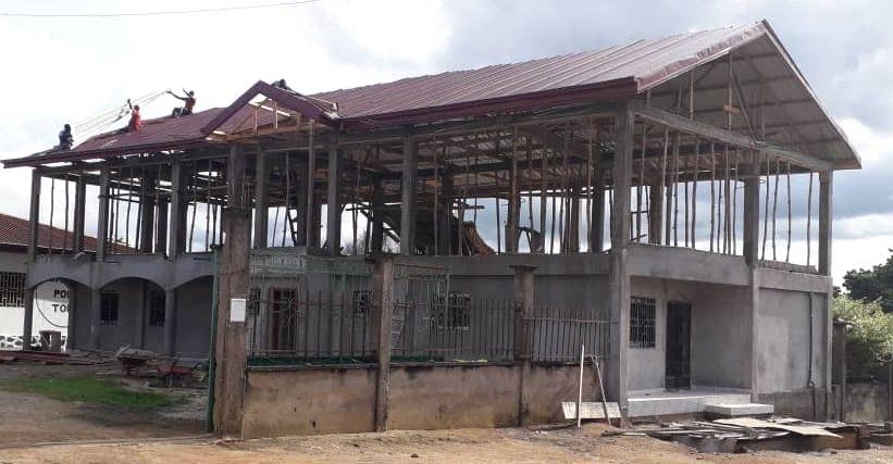 Das Dach wird gedeckt - August 2020